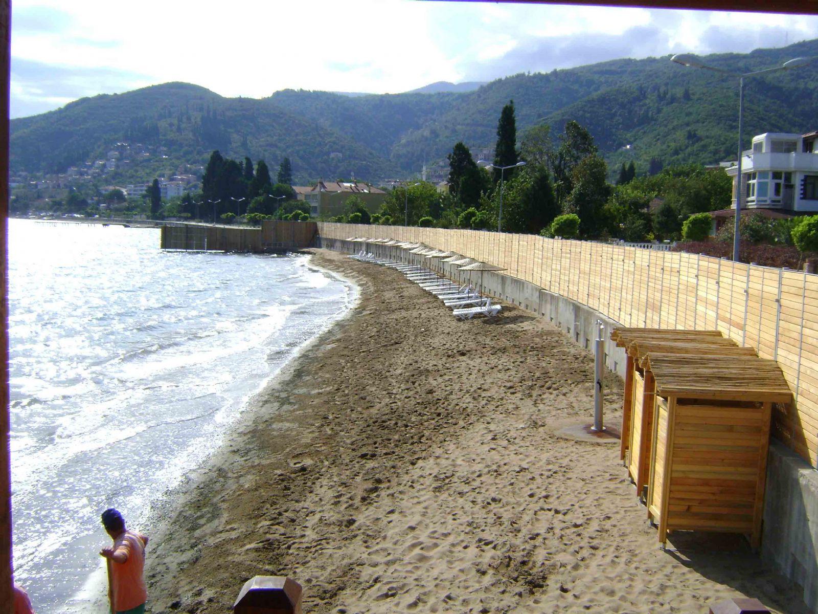 Kadınlara özel plaj açıldı