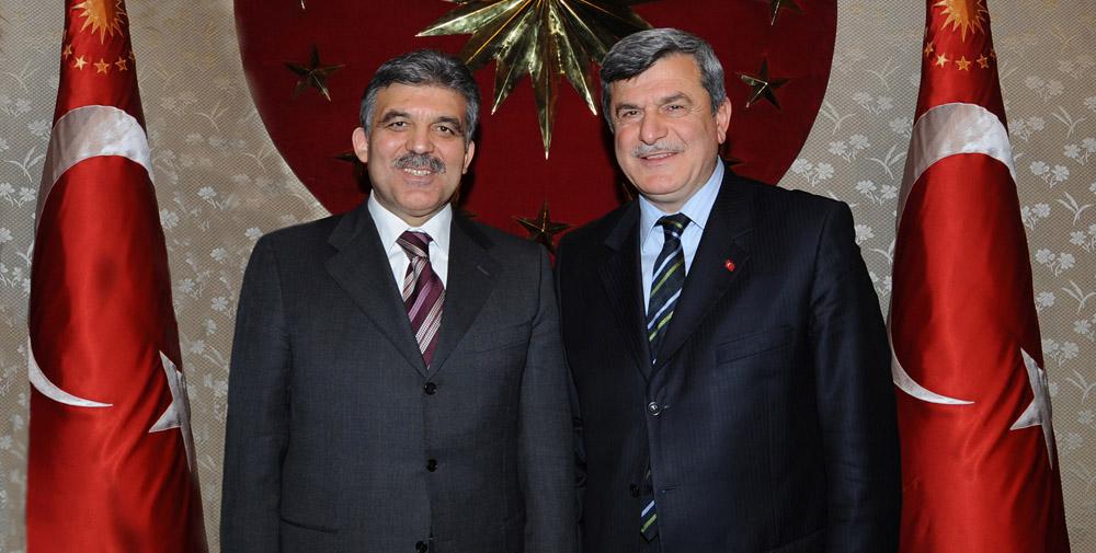Cumhurbaşkanı Gül'den Başkan Karaosmanoğlu'na davet!
