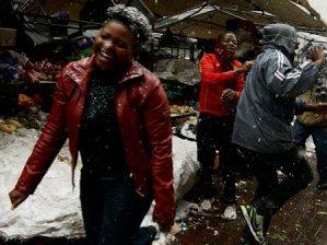 Afrika'ya lapa lapa kar yağdı!