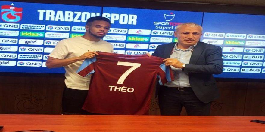 Theo Bongonda İmzaladı