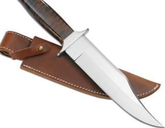 Bıçak saplanan gencin yaşamı