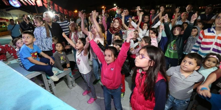 'Mahallemde Şenlik Var' Programının Sonuncusu Adapark'da Yapıldı