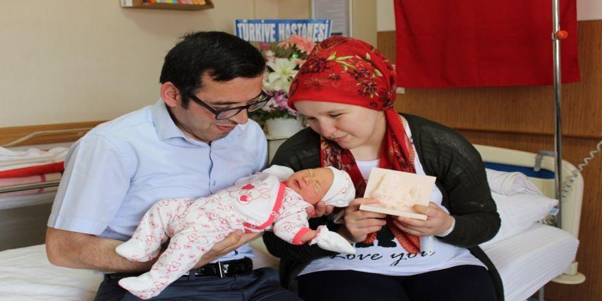 '3 Boyutlu' Bebek Dünyaya Geldi