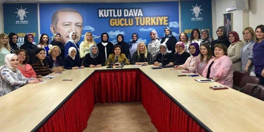 AK Partili kadınlara tam not!