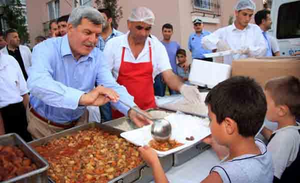 Bahçekent konutlarında toplu iftar!