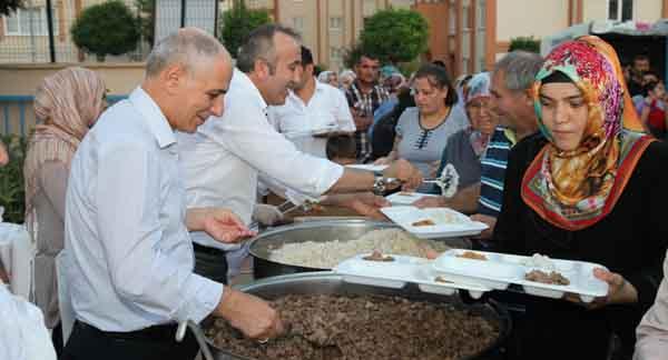 Akbaş'tan iftar daveti!