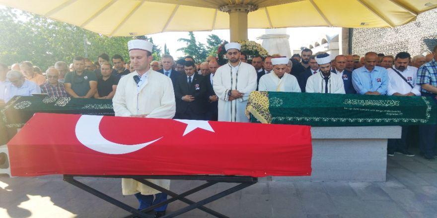 Enis Berberoğlu'nun Kayınpederi Son Yolcuğuna Uğurlandı
