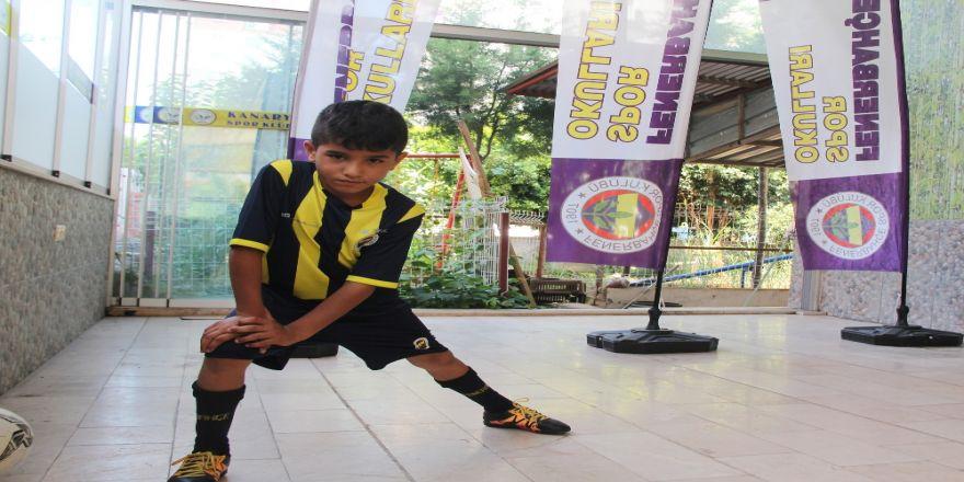 Geleceğin Futbol Yıldızı Yetişiyor ! İzleyenleri Şaşkına Çeviriyor