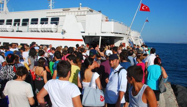 Tatilciler adada mahsur kaldı!