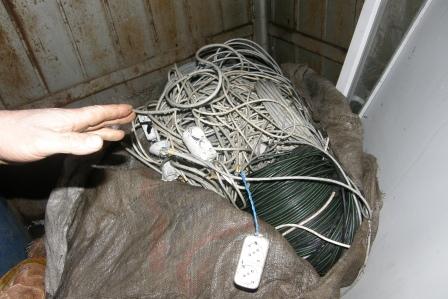 Şüpheli araçtan çalıntı kablo çıktı!