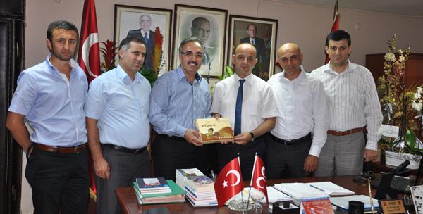 Gümüşhaneliler MHP'yi ziyaret etti!