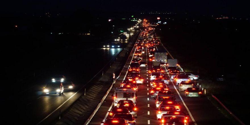 Tekirdağ'da 50 Kilometre Araç Kuyruğu Oluştu