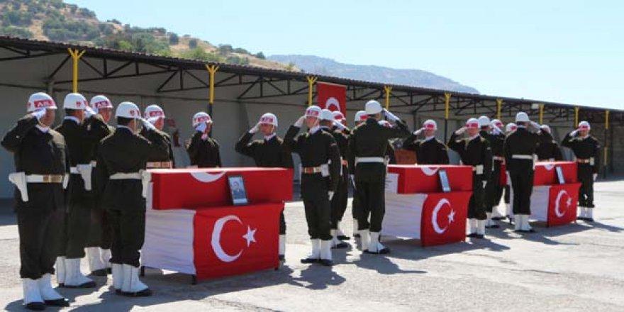 Şırnak'ta şehit olan 3 asker için tören