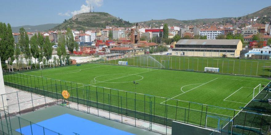 Kasımpaşa Mahallesi Sentetik Sahası Şöhretler Karması Futbol Karşılaşması İle Açılıyor