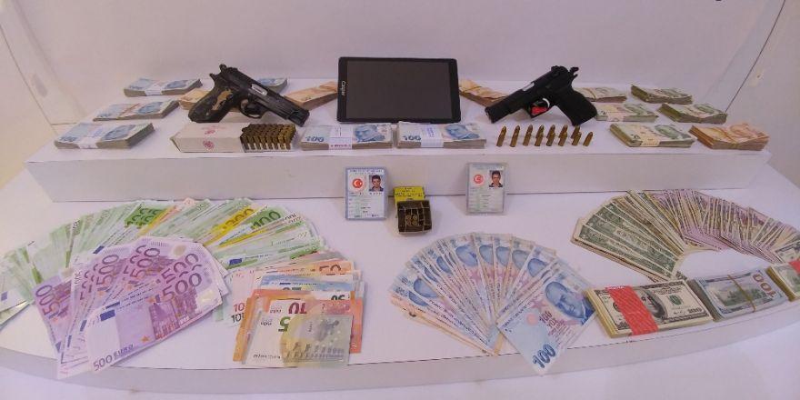 Paralarla Birlikte Şehir Dışına Kaçarken Yakalandı!