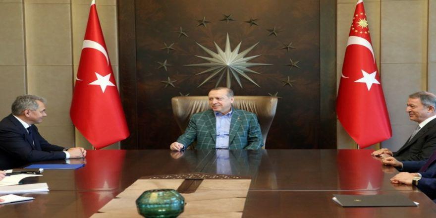 Cumhurbaşkanı Erdoğan Rusya Savunma Bakanı'nı Kabul Etti