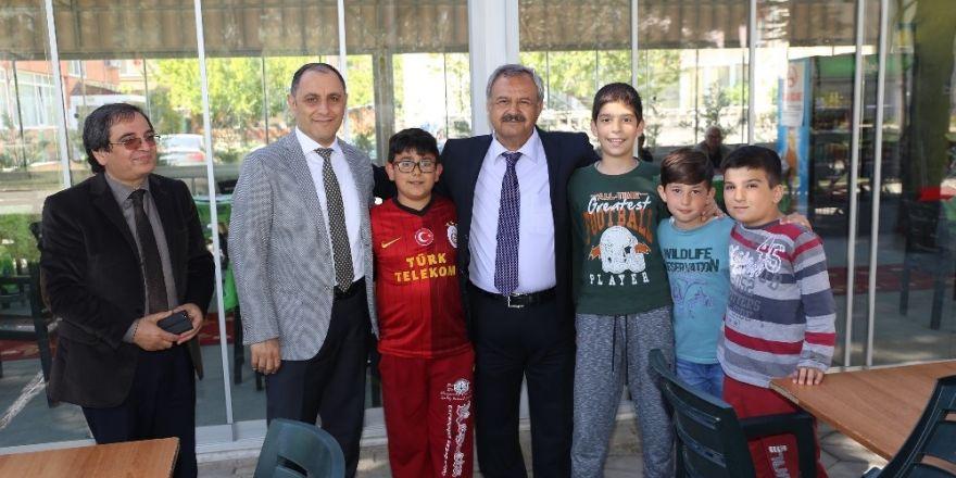 Burhaniye'de Belediye Hizmetleri Takdir Topladı
