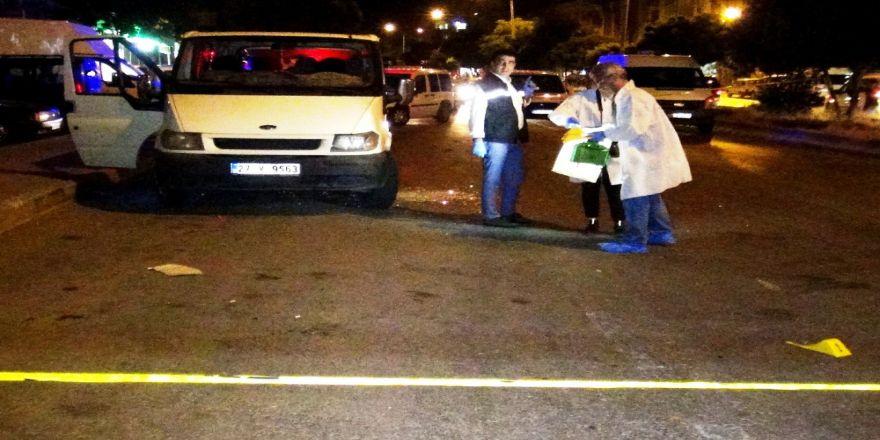 Aracının İçinde Kurşun Yağmuruna Tutuldu