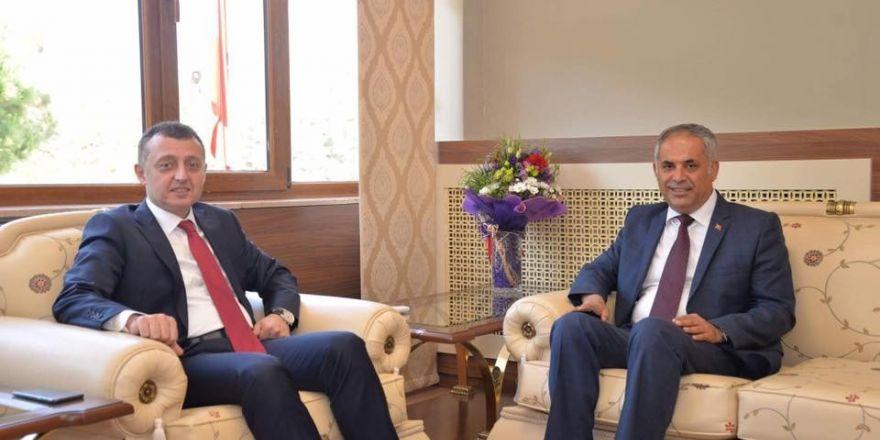 Başkan Yaman'dan Vali Büyükakın'a Ziyaret
