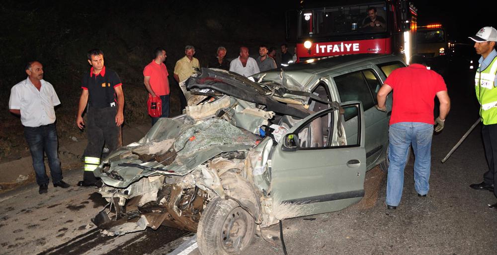 Otomobil iş makinesine çarptı: 1 ölü!