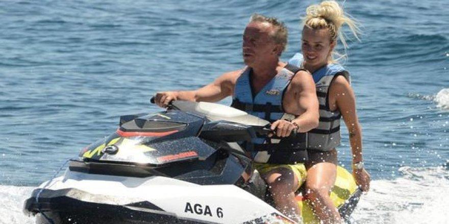 Ağaoğlu yine jet ski'ye bindi