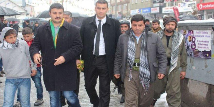 Belge isteyen Demirtaş'a cevap!