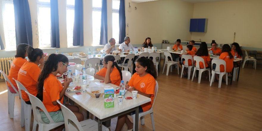 Kaymakam Ve Belediye Başkanından Yaz Kamplarına Ziyaret