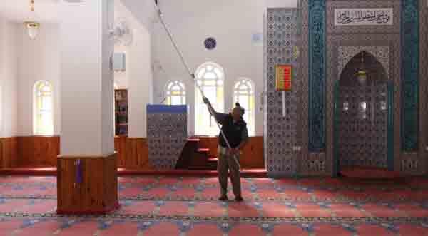 Camilere sıkı temizlik!