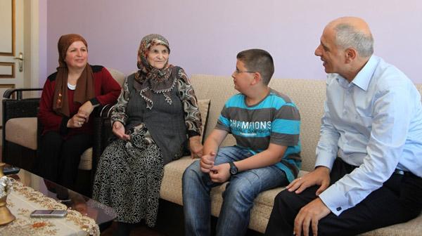 Akbaş'tan Çayırovalı ailelere ev ziyareti!