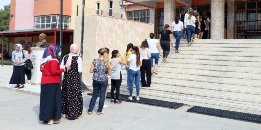 KPSS sınavına yetişebilmek için koşturdular
