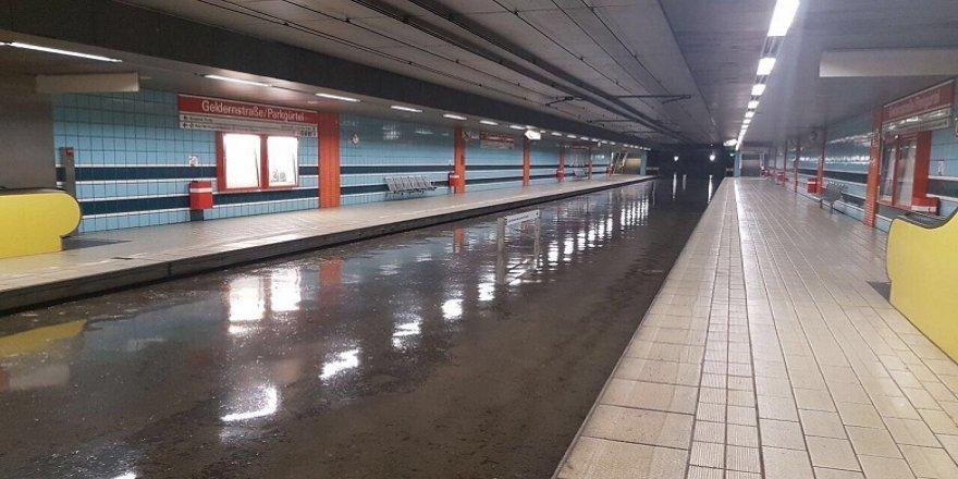 Köln, yağmur sularına teslim oldu