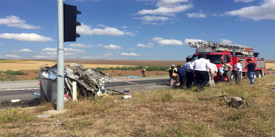 Korkunç Kaza: 3 Ölü, 32 Yaralı