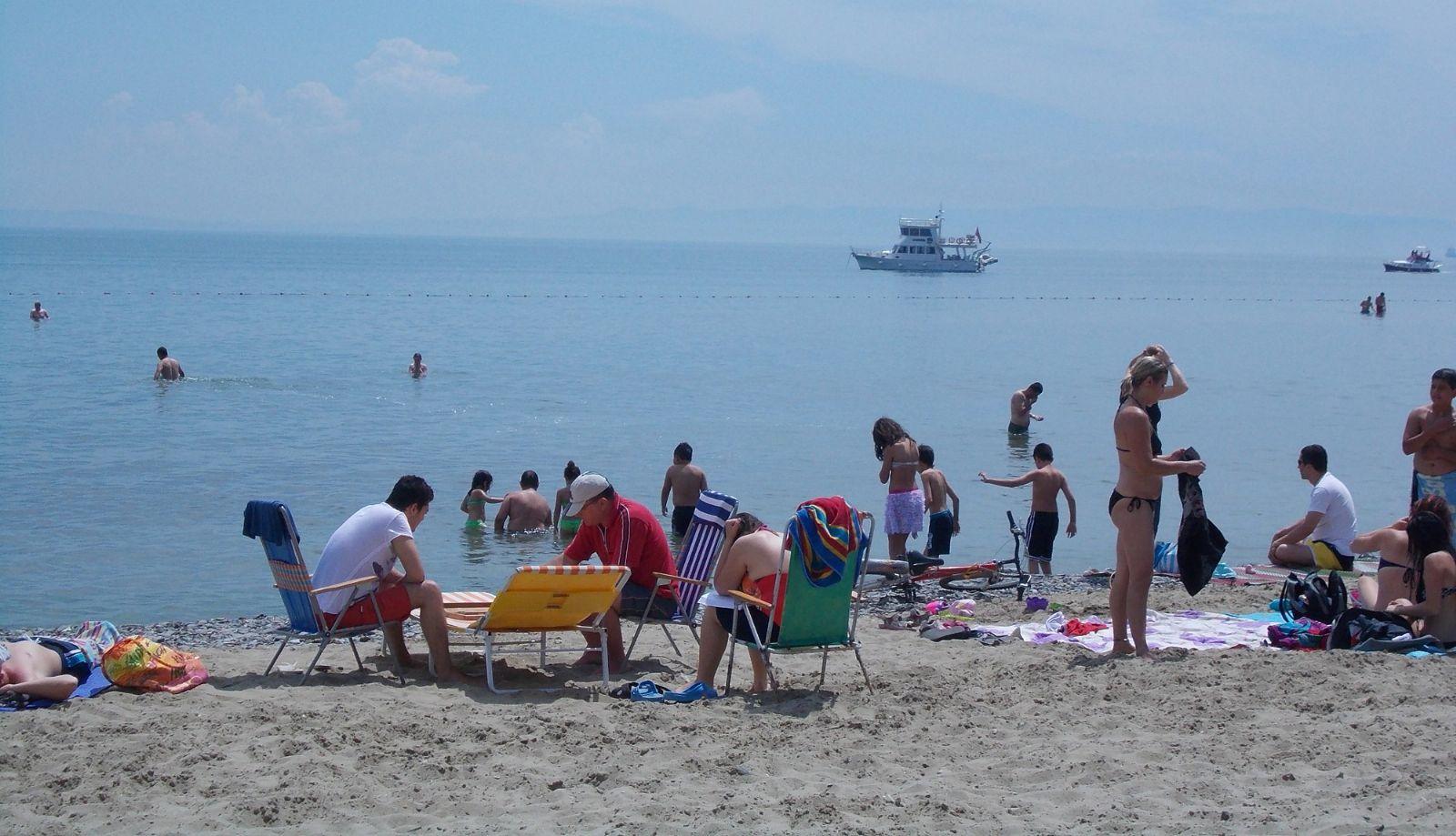 Şarköylüler denizin keyfini çıkardı!