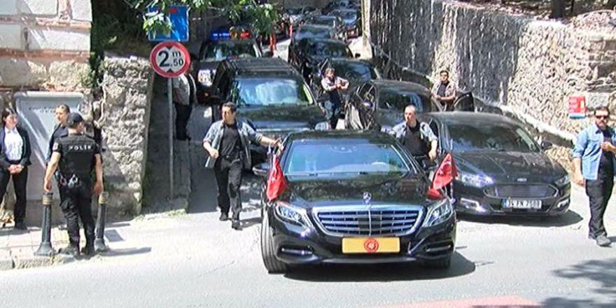 Cumhurbaşkanı Erdoğan Cuma Namazını Beşiktaş'ta Kıldı