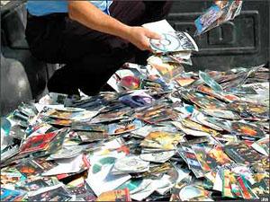 10 işyerine korsan CD operasyonu!