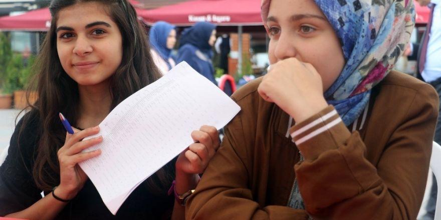 Simurg Tercih Çadırları Öğrencileri Bekliyor