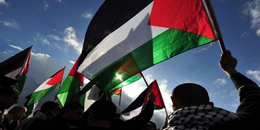 İsrail, Filistinli vekilleri gözaltına aldı!