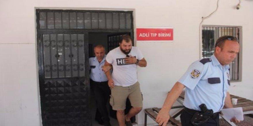 Hero' tişörtlü öğrenciye sınav çıkışı gözaltı