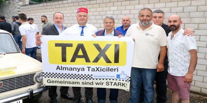 Almanya'daki Türk taksiciler birleşiyor