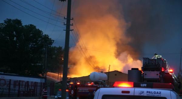 GOSB'da bir fabrika daha yandı!