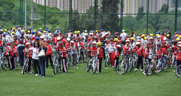 5 bin öğrenci bisikletine kavuştu!