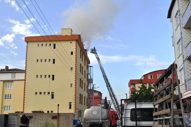 İş hanı yangını mahalleliyi korkuttu!