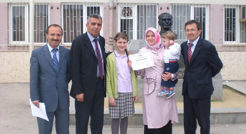 Bursa'da örnek öğrencilere ödül!