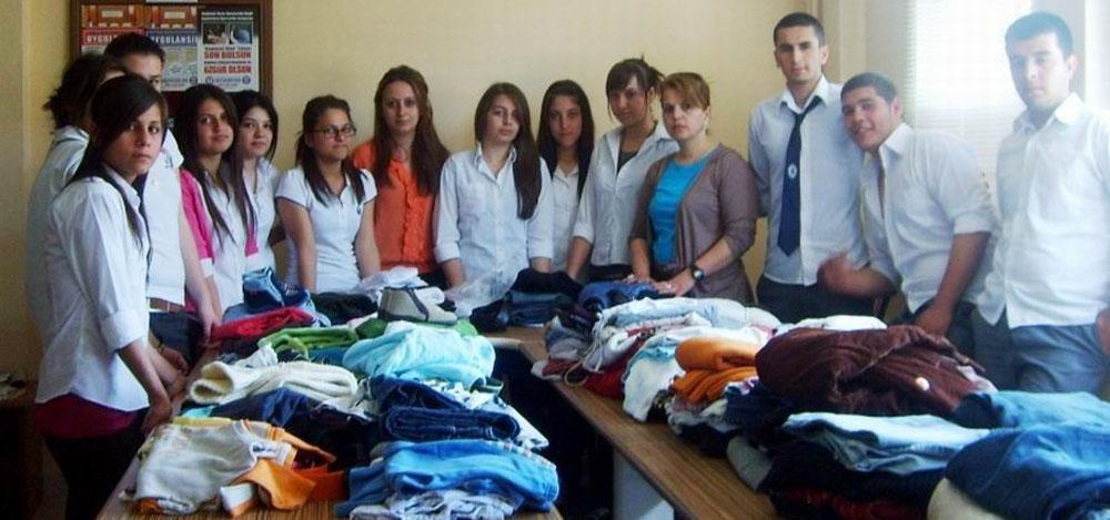 Burhaniye'de kıyafet toplama kampanyası!