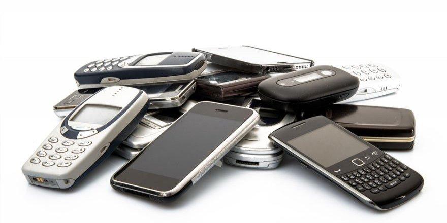 Sakın çöpe atmayın, eski telefonlarınızda altın var!