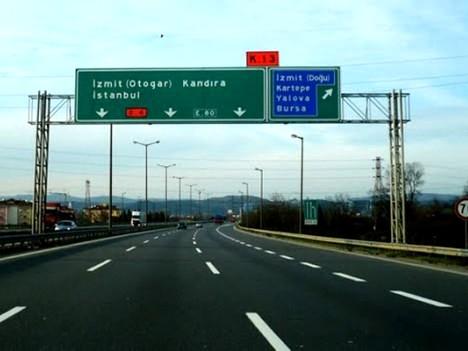 Çamlıca-Gebze TEM Otoyolu trafiğe kapandı!