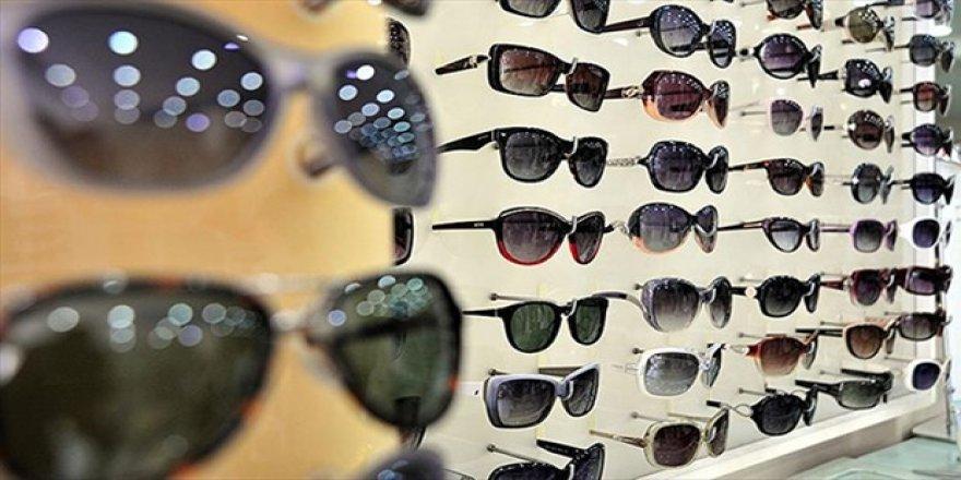 Yaz ayında güneş gözlüklerine dikkat
