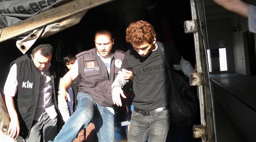 Edirne'de mülteciler TIR'da yakalandı!