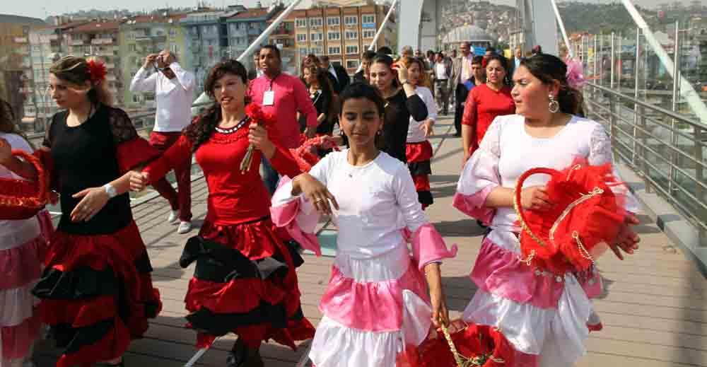 2. Roman Festivali Sevgi Yürüyüşü ile başladı!