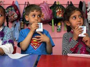 Okul sütü 50 öğrenciyi zehirledi!